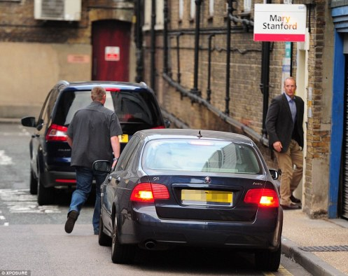 The car bearing the Duke and Duchess of Cambridge to the hospital.  Yes, Kate is in labor (Courtesy: Daily Mail)